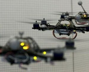 Robot_helicopters_play_tennis_138162470